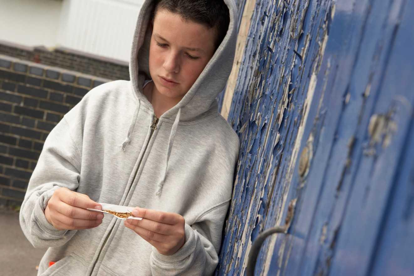 подросток наркоман. Как родителям ему помочь